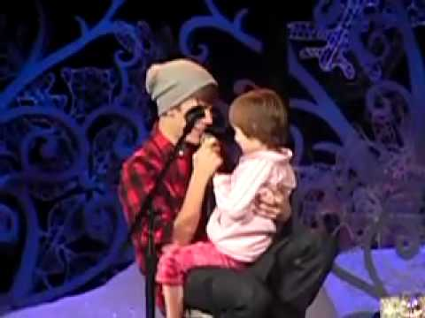 Justin Bieber And Jazzy Singing Home For The Holidays 2011