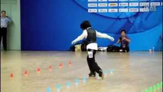 Chinese girl amazes with her roller skating dance routine to 'Beat It'  (HD)