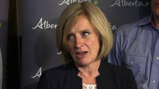 Premier Notley calls on feds for solutions after Greyhound exit