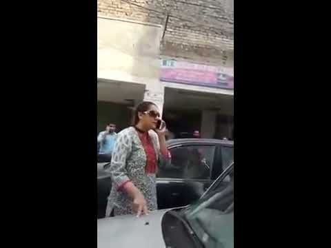 Funny fighting between two women in lahore.......