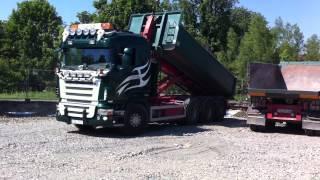 Scania V8 knyter släp.