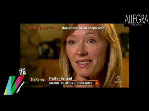 INCREDIBILI GEMELLE SIAMESI PRENDONO LA PATENTE ABBY e BRITTANY FENOMENALI MISTERO 05 05 2010