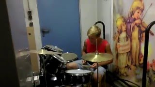 Schlagzeugspieler rastet aus !!!