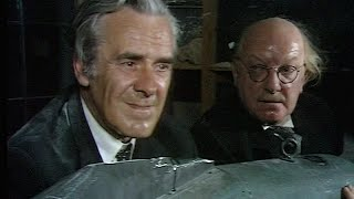 Dad's Army - Something Nasty in the Vault - NL Ondertiteld - '... you come todie or yesterdie!?'...