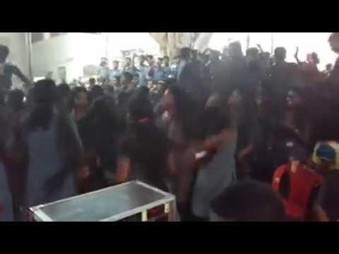 Pshychic response to desi song in kerala by girls