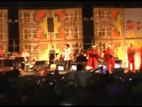 Essaouira 2009 Maalem Hamid El Kasri with Khaled and the WDR Big Band Tn 3