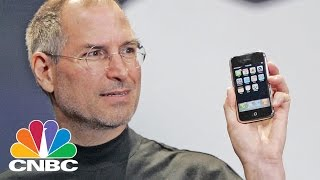 Putting The First-Generation iPhone To The Test For 10 Year Anniversary | CNBC