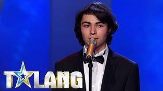 17-åriga Ibrahim rör hela Talang-studion till tårar med sin tolkning av
