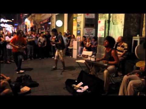 Beyoğlu Sokak Müzisyenleri