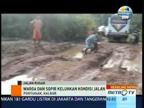 Jalan Penghubung Kalbar-Malaysia Rusak Parah