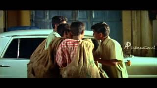 Thuruppu Gulan Malayalam Movie | Mlayalam Movie | Small Boy Helps | Jegathy Sreekumar