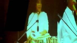 Ustad Zakir Hussain and Pt Hariprasad Chaurasia -- Amazing Jugalbandi --