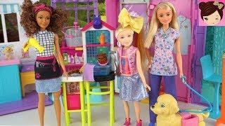 Barbie Frozen Elsa, & Jojo Siwa Doll take her Puppy to the Hair Salon Pet Groomer -  Toy Pet Clinic