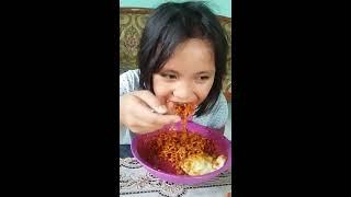 Anak 9 Tahun Makan Samyang+20 Cabe # Samyang Challenge #keluarga Pemakan Pedis