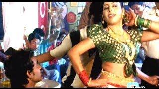 Deshi Pilaya Videshi Pila | Saheb | Marathi Hit Song