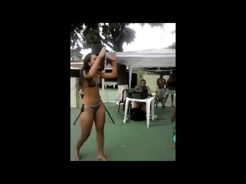 Novinha dançando Gostosa demais