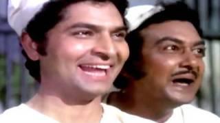 Danny, Shashi Kapoor, Asrani in Jail - Chor Machaye Shor Scene