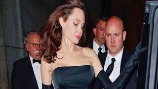 أنجلينا جولي بإطلالة مثيرة في ليلة عشاء