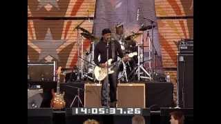 Ernie Isley & the Jam Band - Who's That Lady (Live at Farm Aid 2009)