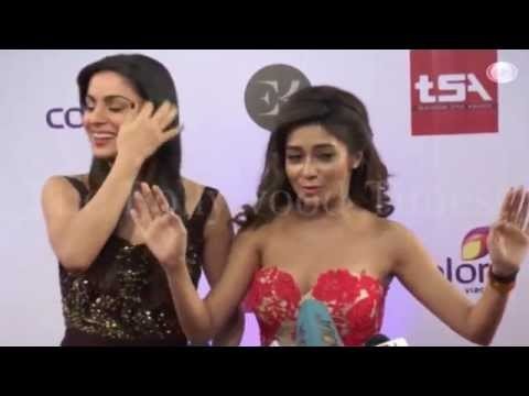 Xxx Mp4 Tina Dutta Adjusting Strapless Gown At Colors Style Awards 2015 3gp Sex