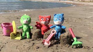 Pj masks en español: fiesta en la playa y salvan un delfin.Nuevo video heroes en pijamas