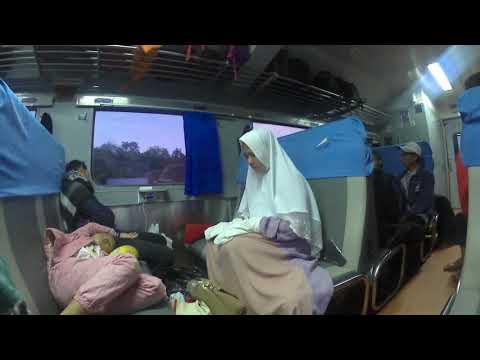 Xxx Mp4 Jilbab Panjang Mu Cewe Cantik Shalat Di Kereta 3gp Sex