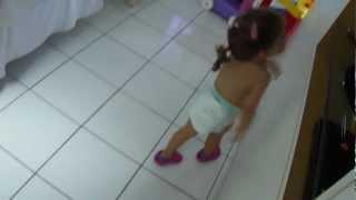 Giovana e a Dança do Macaco