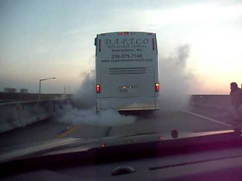 EPIC FAIL Turbo blown Detroit Diesel Series 60 12.7 MCI BUS smokey mess