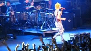 17/17 Paramore - Ain't It Fun @ Parahoy (Show #1) 3/05/16