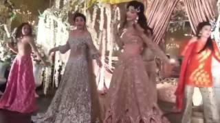 Urwa Hocane Wedding I Mehndi Dances  - Pakistani Wedding Full HD