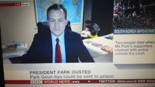BBC News - Asian mom in the background with kids - Funny