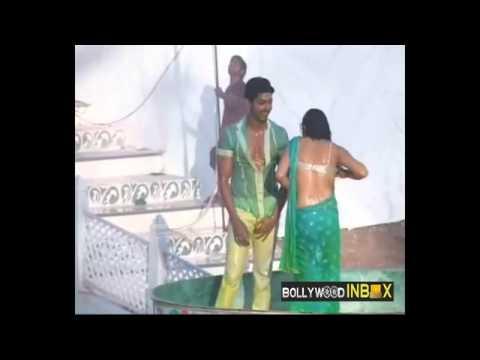 Xxx Mp4 Gurmeet Choudhary Drashti Dhami Dancing Tip Tip Barsaa Paani YouTube 1 Flv 3gp Sex
