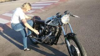 Triumph t120r / t120 cafe racer first kickstart girl , kick starter motorcycle girl !!!