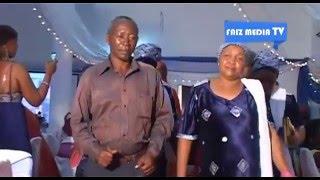 Mc Massanza Akiendelea Kutmbuiza Ndani Ya Ukumbi Wa Confort Hall Katika Usiku Wa Bi. Furaha Hamisi