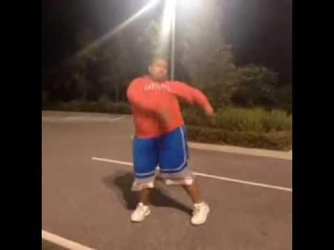 Xxx Mp4 Fat Boy Dancing In The Parking Lot IliveVideos 3gp Sex