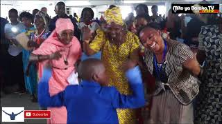 Mlee Mtoto - Mwimbaji wa Injili mtoto YOHANA akiimba kwenye ibada MITO YA BARAKA CHURCH