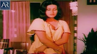 Eduruleni Manishi  Movie Scenes | Radha Removing Dress infront of Rajinikanth | AR Entertainments