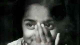 Lyric of hindi song Aaja Piya Tohe Pyar Du - Indian dancer