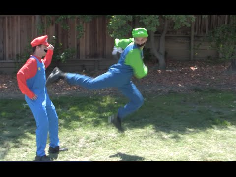 Mario vs Luigi Fight