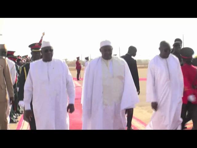Gambie-Indépendance: arrivée du Président Macky Sall à Banjul