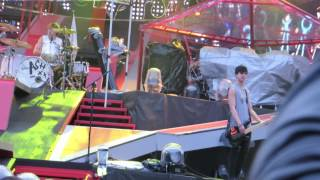 5 seconds of summer- beside you live.