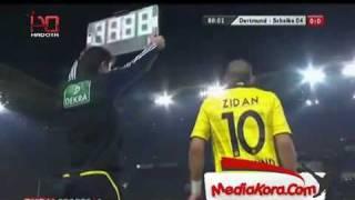 محمد زيدان يدخل الملعب والمعلق يبكي على حال مصر