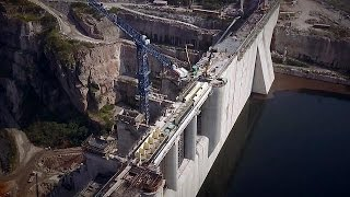 Angola vira-se para o desenvolvimento de infraestruturas - focus