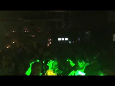 Xxx Mp4 DJ Victor Rolf En Saxy Mr S On Saxophone Liever Te Dik In Een Kist Dan Weer Een Feestje Gemist 3gp Sex