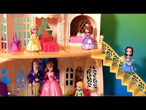 Sofia the First Magical Talking Castle Disney Princess Amber Talking Clover the Rabbit Royal Family