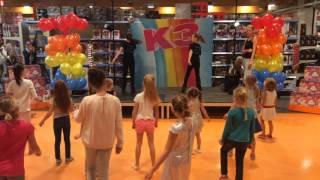 K3 dance battle bij Fun