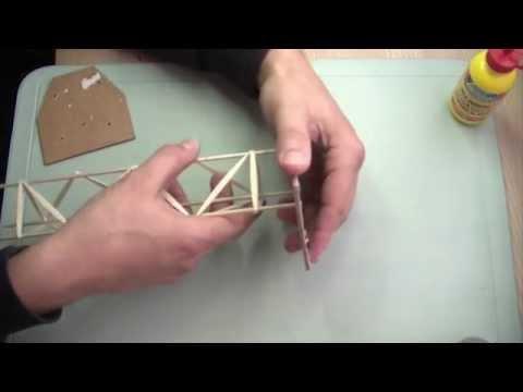 Cómo hacer una estructura de base triangular con pinchos y palillos