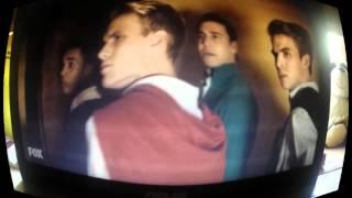 Scream Queens Episode 1 Rhodes Brothers and Nick Jonas