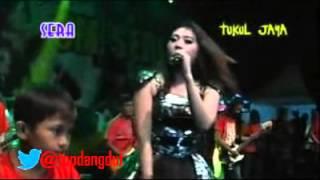 SERA VIA VALLEN Selingkuh Dangdut Koplo Live Karanganyar 2015