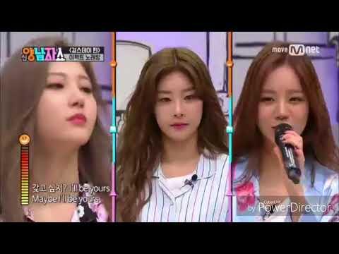K idol sing with mic effect 😂